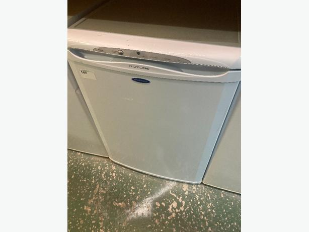 hotpoint future under counter freezer with delivery available