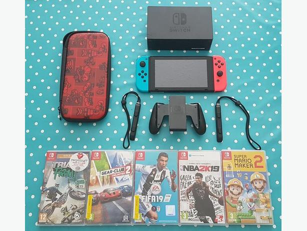 NIntendo Switch 32GB with games and case