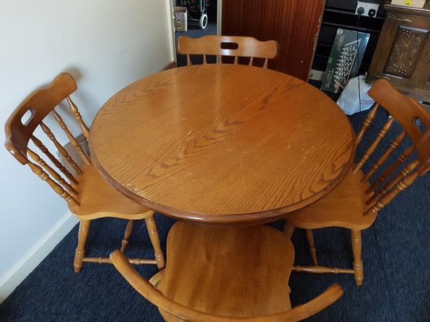 FOR TRADE: Solid Pine Round Dining Table