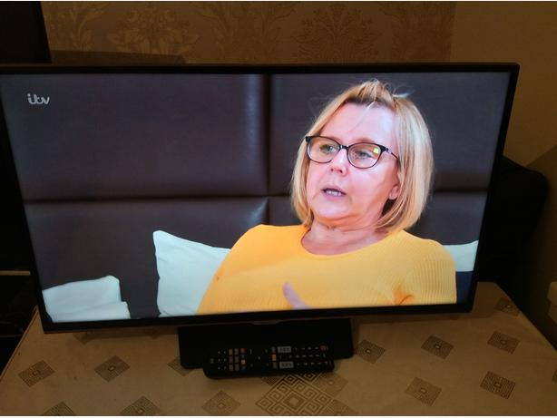 32 INCH SAMSUNG SMART TV MODEL UE32H5500AK