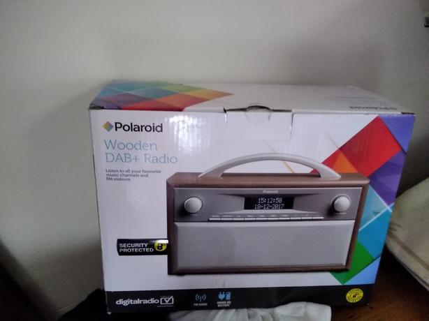 Polaroid wooden dab and radio