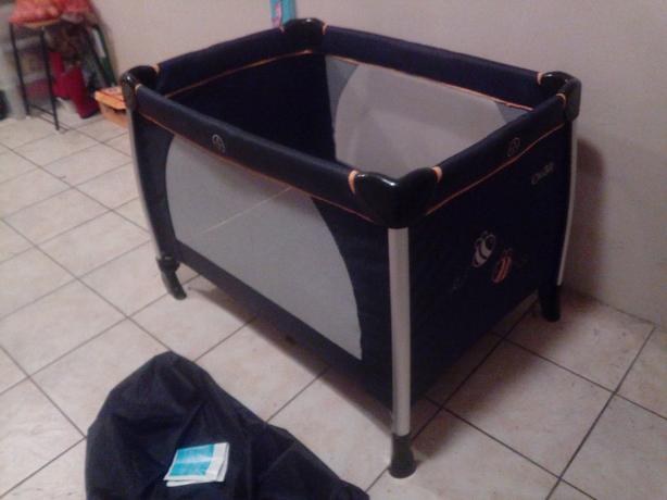 ICanbee travel cot