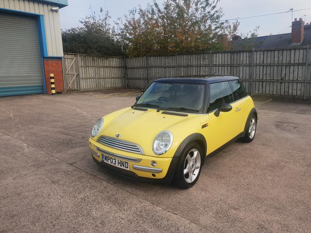 Automatic Mini Cooper 1.6, 2003 model long mot, good condition, drive great