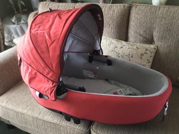 Windoo car seat / carrycot
