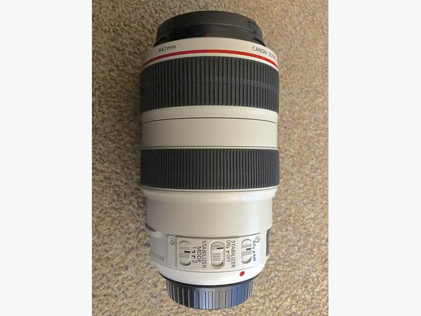 Canon EF 70-300mm 1:4-5.6 L IS USM Lens. (AS NEW)