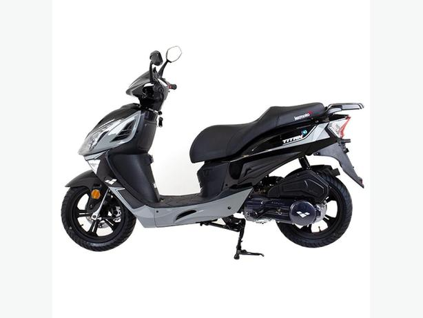 Lexmoto Titan 125 scooter