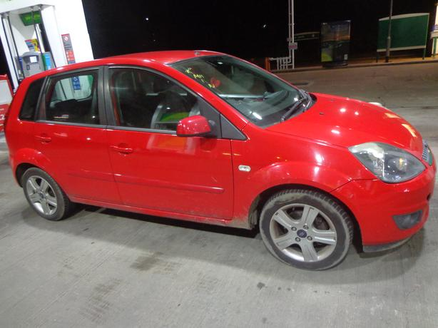 ford fiesta 1.4 57 reg +mot aug+tax+good runner+needs attention+driveaway