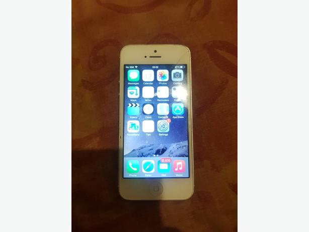 Unlocked iPhone 5 32GB Has Hairline Crack But Fully Working Can Deliver For £5