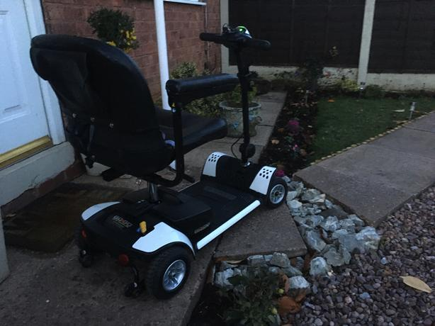 Reconditioned Crystal Pearl White Mobility Scooter