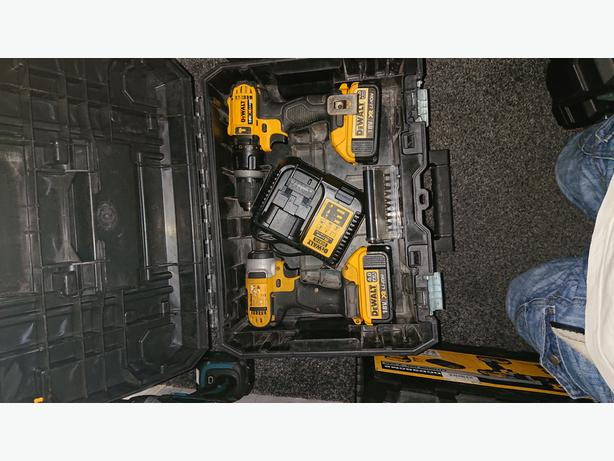 Dewalt 18v XR Combi Drill and Impact Driver Twin Pack
