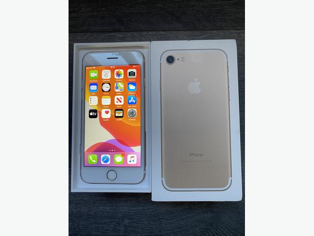 Iphone 7 32GB unlocked to all networks Boxed Gold