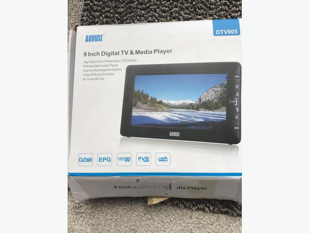 "Portable 9"" TV and multimedia player"