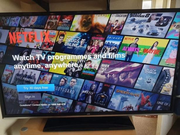 smart jvc 40 inch full hd led tv+built in apps+wifi+excellent+remote+DELIVERY