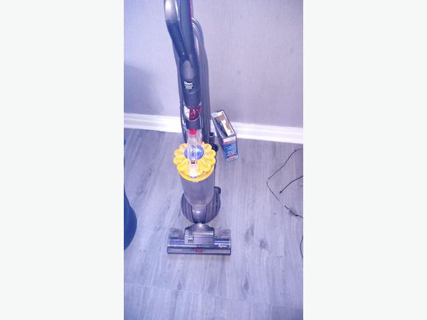 dyson dc40 hoover spares or repair