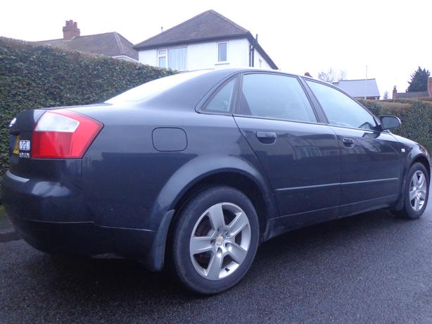 top spec 2002  black audi a4 1.9 tdi diesel+taxed+drives good+DELIVERY