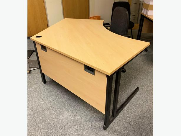 LARGE OFFICE DESKS  (Great Condition) ONLY £50 EACH