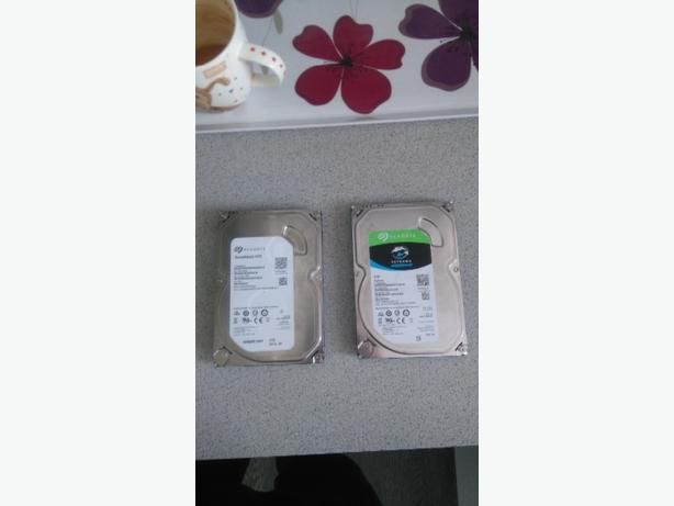 2 harddrives both 1tb memory each