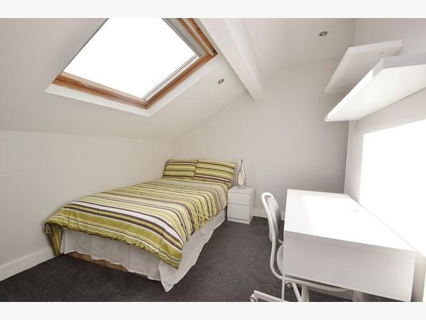 Light and airy one bedroom flat