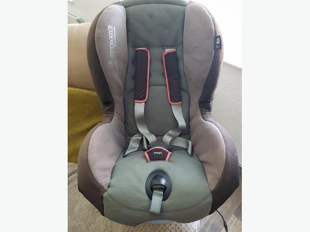 Maxi-Cosi Childs car seat