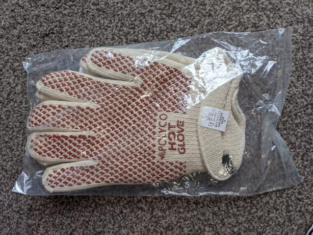 new polyco hot gloves pair