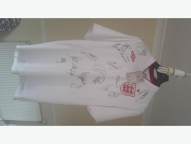 fantastic England signed shirt