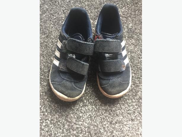 Adidas Gazelle trainers - size 8
