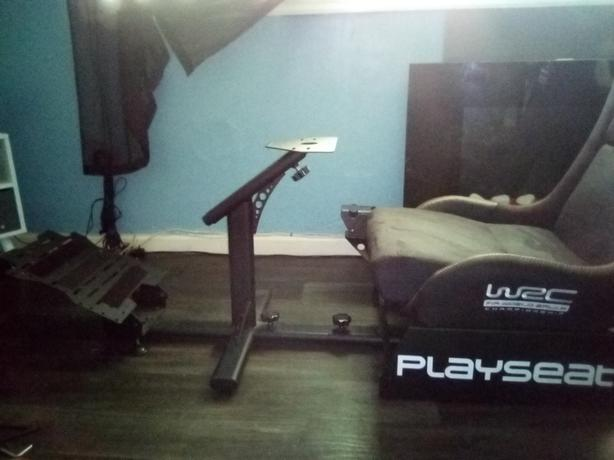 wrc playseat and stand +shifter stand