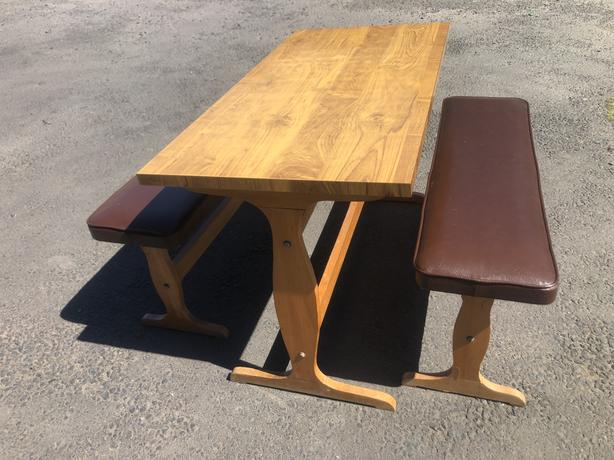 KITCHEN 4ft DINING TABLE & TWO LEATHER BENCH SEATS ~~ WE CAN DELIVER