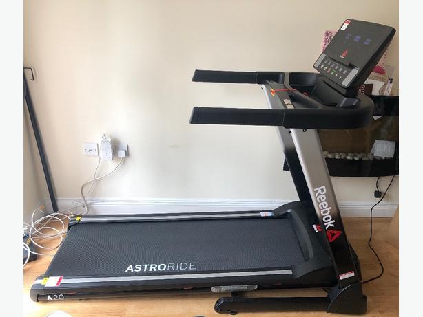 REEBOK A2.0 Astroride folding treadmill, near perfect condition