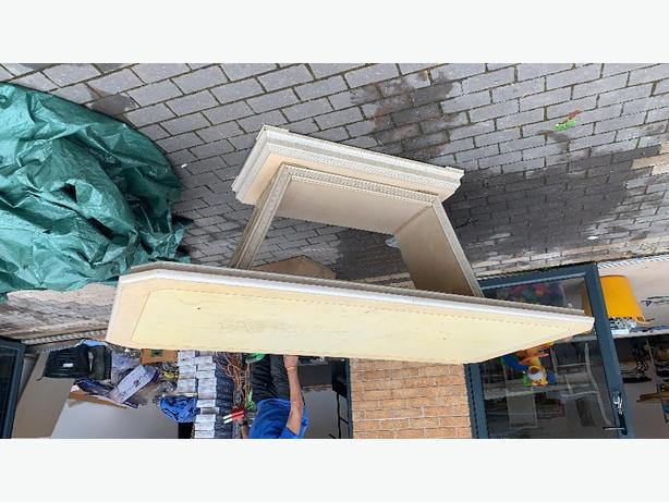 FREE: DINING TABLE