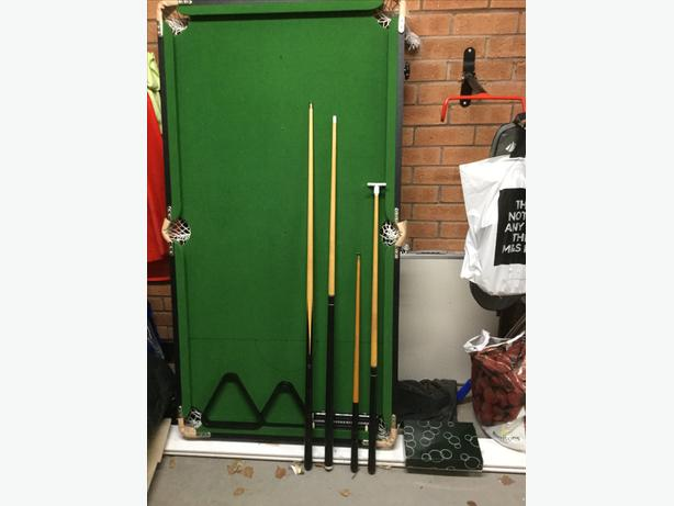 BCE Rolling lay flat 5' snooker table