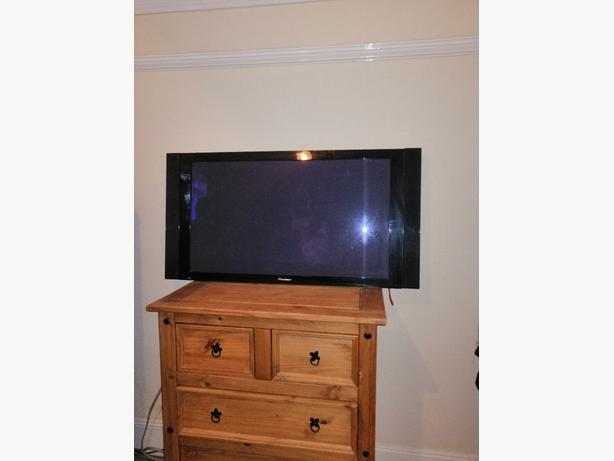 pioneer 43 inch freeview TV Fully working