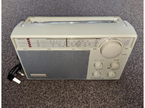 Dynatron Knightsbridge retro radio