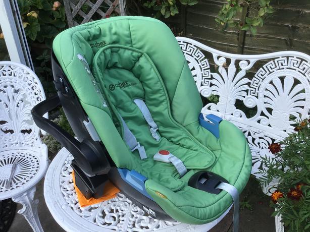 Mamas & Papas Cybex car seat