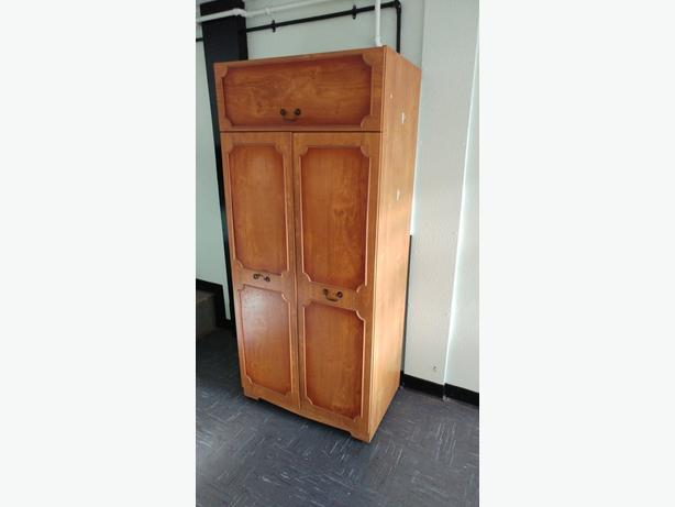 FREE - Single Wardrobe in good condition - FREE