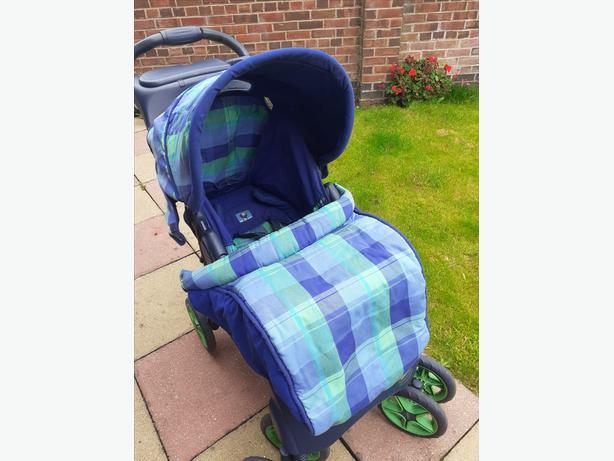 Push chair/Moses basket/bath and bouncer chair
