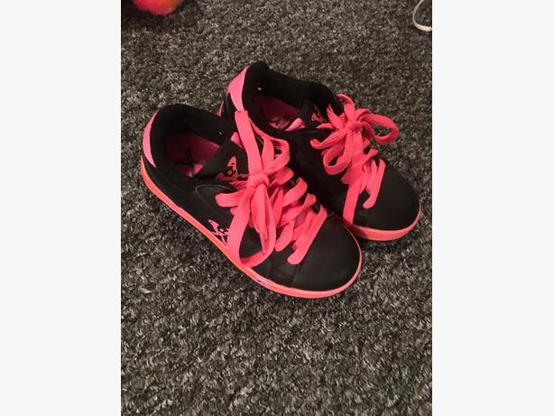 Heeleys pink and black - size 12