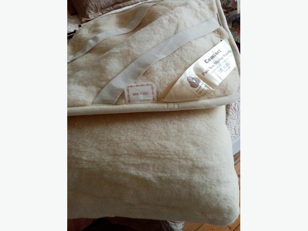 Brand new merino wool mattress topper