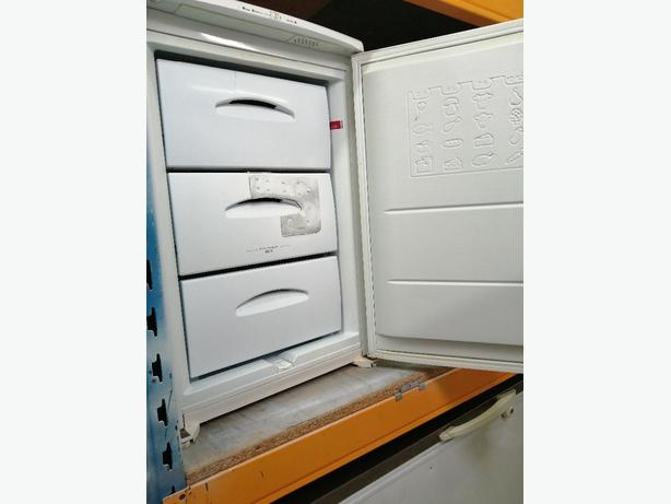 Hotpoint small freezer 3 drawers 3 months warranty at Recyk