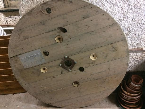 Wooden cable reel table top 124cm diameter 4ft