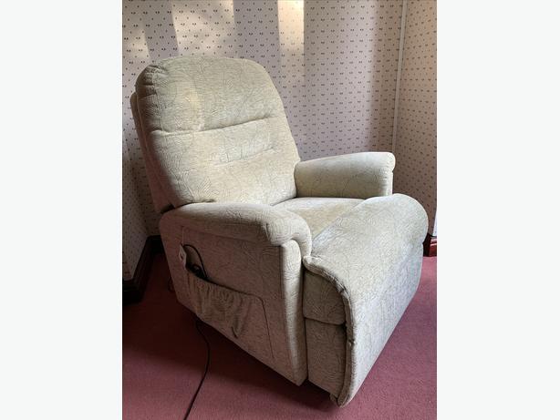Sherborne Keswick Petite Dual Motor Rise & Recline Chair riser recliner