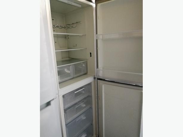 🌈Hotpoint fridge freezer with grey with warranty at Recyk