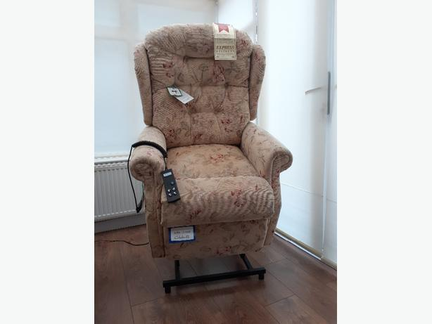 electric rise and recliner