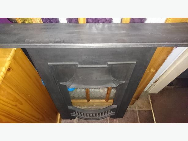 Fire Place surround Cast iron beautifully made