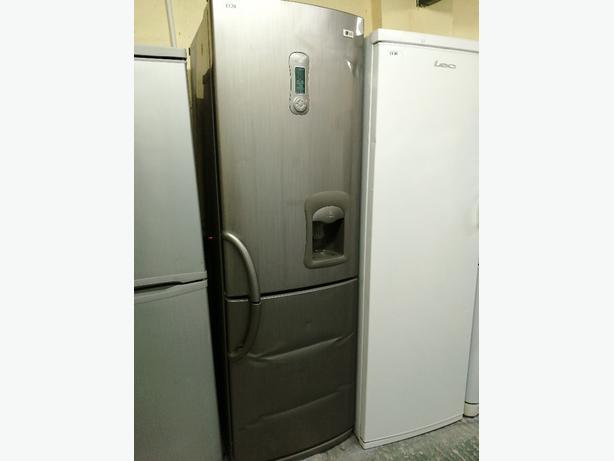LG fridge freezer with water 💦dispenser 3 months warranty at Recyk Appliances