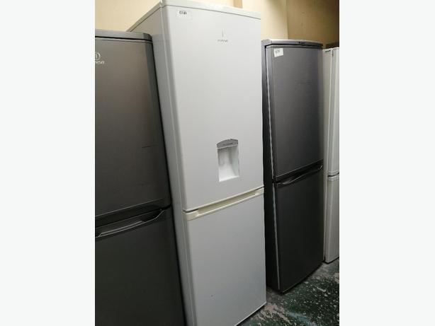 Indesit fridge freezer with water💦 dispenser 3 months warranty at Recyk