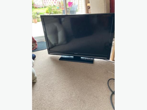 sharp 40 inch full hd 1080p led tv+freeview+remote+manual+DELIVERY