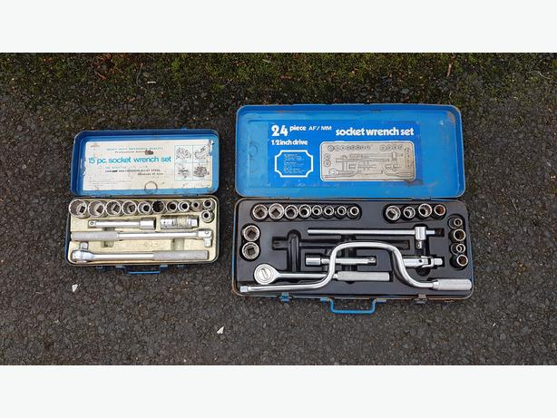 2 VINTAGE QUALITY AF / MM HALF INCH DRIVE SOCKET SETS OLD TOOL GC