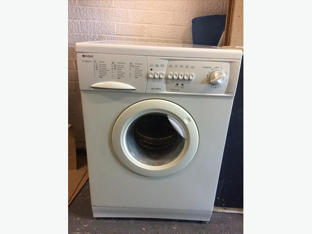 White Indesit Washing Machine eco ultra Omega 1300 WG1385W