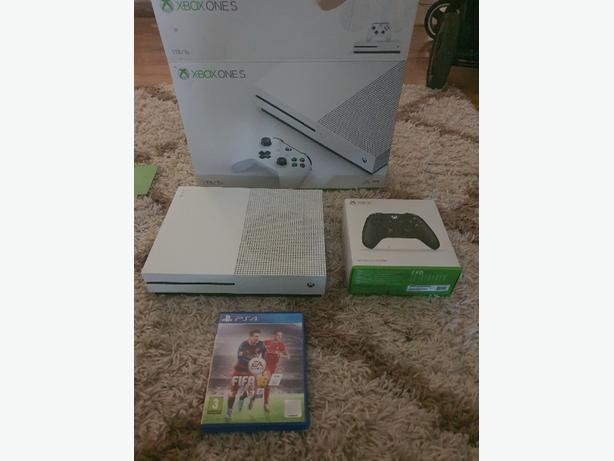 xbox one s 1tb with box